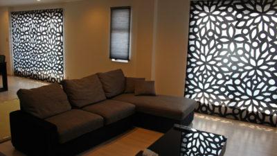 シンプルモダンなお部屋にKINNASAND社のシェードでカーテンコーディネート 茨木市