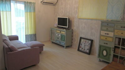 堺市のパリのアパルトマン風なお家のオーダーカーテンはやっぱり輸入カーテン