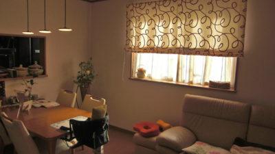 CAMENGO社の刺繍カーテンをアート感覚でシェードとして飾りましょう。茨木市・北摂