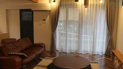 京都市西京区のお家にCHIVASSO社のシンプルモダンなカーテンコーディネートでオシャレに着飾ろう