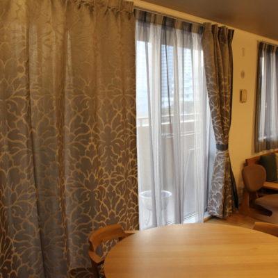千里中央のマンションのオーダーカーテンはcasamanceの輸入カーテンで和モダンに!