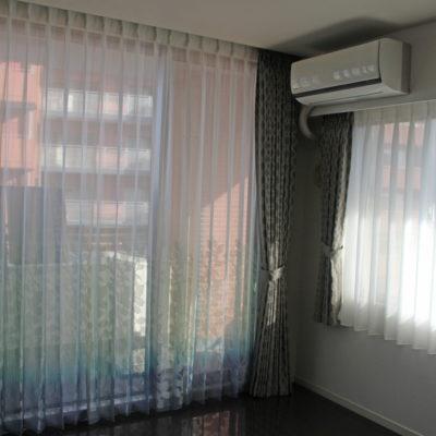 大阪市内のマンションにはスミノエのデザインレースカーテンとFEDE