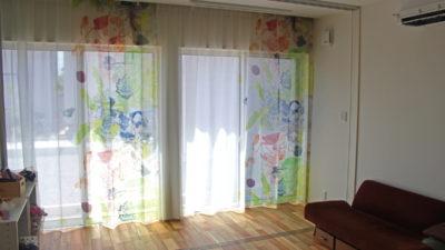 モダンなリゾート系レースカーテンで涼しげな雰囲気に!吹田市のご新築