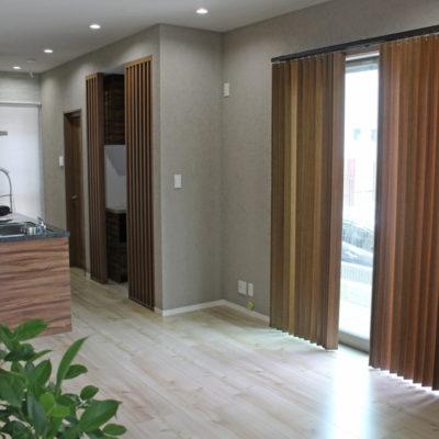 豊中市の注文住宅にはタチカワブラインドやニチベイ、FUGAでカーテンコーディネート