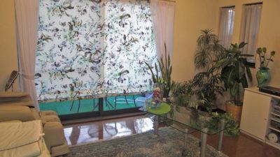 水彩タッチなイタリア製花柄をローマンシェードに 大阪府摂津市