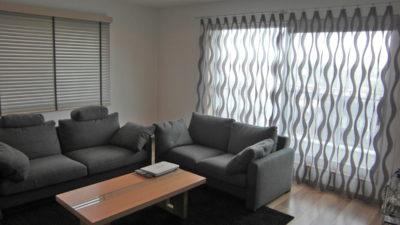 箕面市のお部屋にはFR-ONEのサーペンタインのグレーでお部屋に動きをつけよう