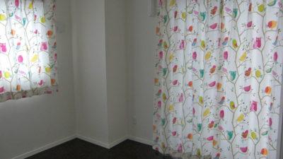 フクロウや小鳥のHARLEQUINのカーテンで子供部屋を可愛く変身 大阪市西区 堀江