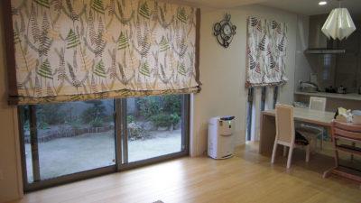 大阪市内、住吉区のお家のオーダーカーテンはSCIONの生地でナチュラルモダンに
