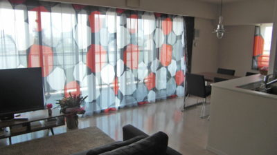 西淀川区のマンションのオーダーカーテンはレースカーテンが素敵です。