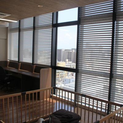 電動調光ロールスクリーンFUGAを大阪市中央区のマンションに取付ました!エコリモ仕様です。