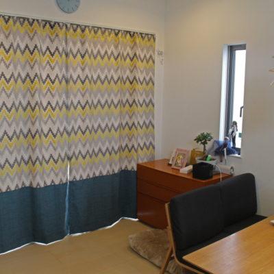 豊中市のお家のカーテンやシェードには輸入生地をふんだんに使ってカーテンコーディネートしました!